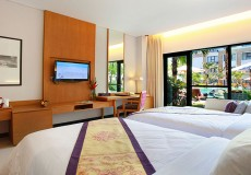 grand inna deluxe pool acces