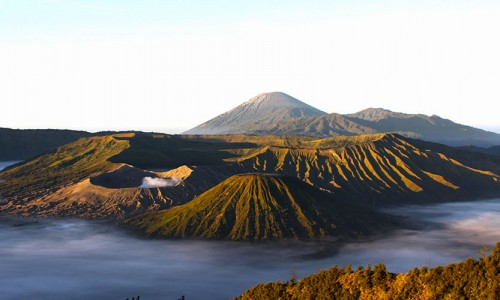 bromo-east java-sunrise-crater- tours